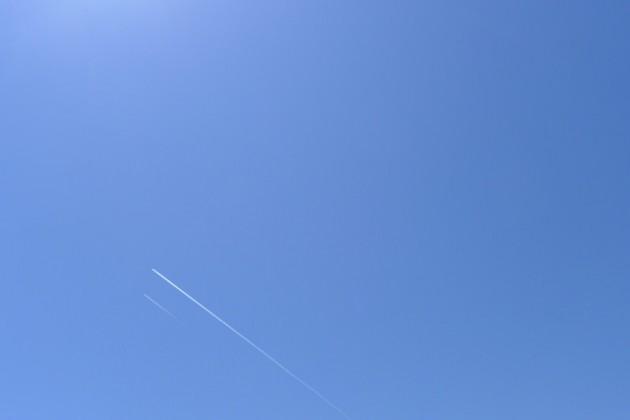 mallorca himmel kondensstreifen