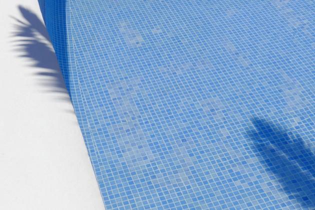mallorca pool palme schatten